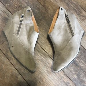 CL by Chinese Laundry Ankle Boots Taupe